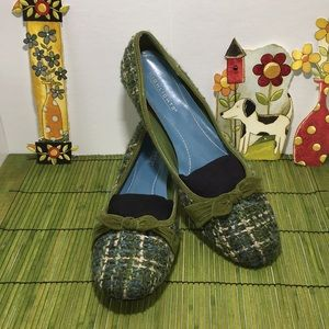 Highlights, Size 10, Boucle and Suede Kitten heel